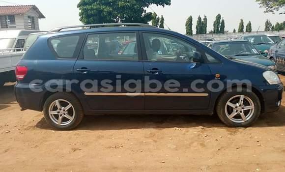 Acheter Occasion Voiture Toyota Avensis Verso Gris à Lomé, Maritime