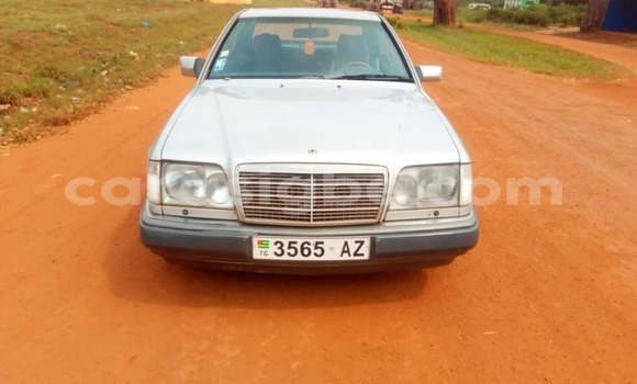 Acheter Occasion Voiture Mercedes‒Benz 300CD Gris à Lomé, Maritime