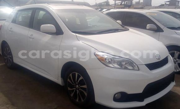 Acheter Occasion Voiture Toyota Matrix Blanc à Lomé, Maritime