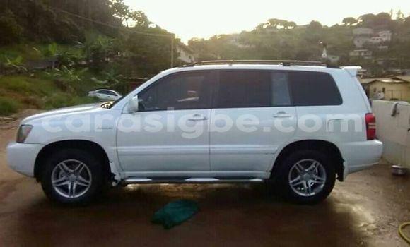 Acheter Occasion Voiture Toyota Highlander Blanc à Lomé, Maritime