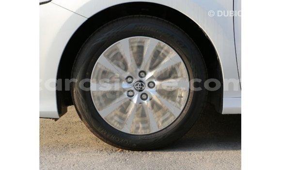 Acheter Importé Voiture Toyota Camry Blanc à Import - Dubai, Togo